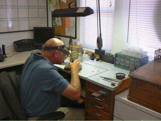 Repairing anniversary clocks